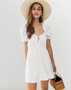 Buy ASOS DESIGN puff sleeve broderie tea dress at ASOS. Get the latest trends with ASOS now. Mini Skater Dress, Mini Shirt Dress, Safari, Coachella, Asos Curve, Looks Vintage, Going Out Dresses, Models, Latest Dress