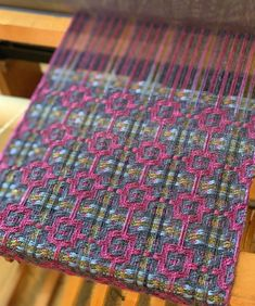 Tapestry Weaving, Loom Weaving, Hand Weaving, Welsh Blanket, Woven Scarves, Weaving Projects, Weaving Patterns, Woven Fabric, Fiber Art