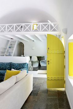 Santorini summer house - interior- Greece Love the fresh vibrancy this yellow/green adds to the house. Instantly lifts and energises. Yellow Interior, Interior And Exterior, Interior Design, Santorini House, Greece House, Summer House Interiors, Greek Decor, Sweet Home, Architect House
