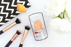 Real Techniques Miracle Complexion Sponge // Beauty and the Chic