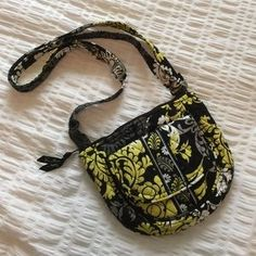 """I just discovered this while shopping on Poshmark: ‼️Sale‼️ Vera Bradley Small Crossbody. Check it out! Price: $10 Size: W 8.5"""" X H 7"""""""
