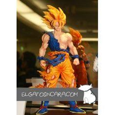 Figura de importación Japonesa de Son Goku en su primera transformación, pertenece a la serie Dragon Ball Kai DX