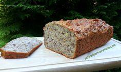 Nussbrot low carb Mir schmeckt diese Brot richtig gut und es hält sich einfach in Butterbrotpapier eingeschlagen auch ein paar Tage. Zutaten für eine kleine Kastenform: 300 g Speisequark 20 % 2 Eie…