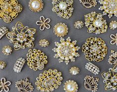 20 Gold Assorted Rhinestone Button Brooch Embellishment Pearl Crystal Wedding Brooch Bouquet Cake Hair Comb Clip BT986 Your Perfect Gifts http://www.amazon.com/dp/B0177JNE36/ref=cm_sw_r_pi_dp_HJONwb0A3PN8S