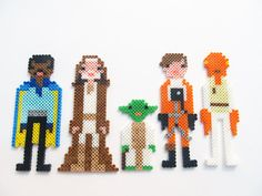Star Wars Characters perler beads by ShowMeYourBits on deviantart.
