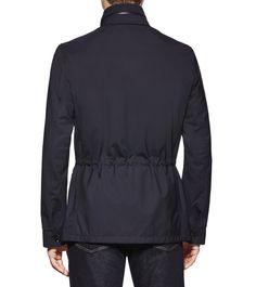 ERMENEGILDO ZEGNAManteaux et blousons:         Cette veste militaire bleu marine ultra légère est confectionnée en laine Elements Light Trofeo imperméable et dotée de nombreuses poches p