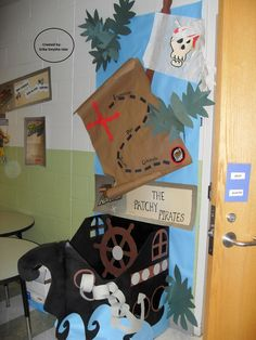 Pirate Bulletin Boards and Classroom Ideas Classroom Displays, Classroom Themes, Classroom Resources, Pirate Theme, Pirate Party, Pirate Bulletin Boards, Pirate Door, Reading Themes, Ocean Themes