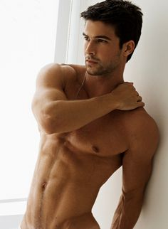O M G I don't post pics of guys on Pinterest but OMG THIS ONE IS WORTH IT. Definitely belongs on my 'for the home' board ;)