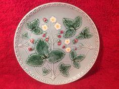 Beautiful Vintage German Majolica Strawberry Plate c1950's, gm219 #ArtNouveau #GeorgSchmeiderZell