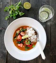 Laksecurry med paprika og spinat