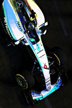 Nico Rosberg's Mercedes through the streets ahead of 2015 Singapore #F1 Grand Prix #44