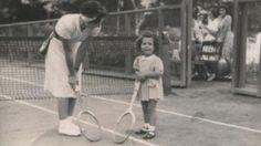 الملكه فريده و الأميره فريال بقصر القبه - مصر سنه ١٩٤٠