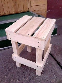 It is another beautiful design of the wooden pallet bar stools which is made from the pure pallets and good conditioned pallet wood is used in this project which makes it more beautiful and gorgeous. You can sit easily on this wooden stool and perform something like writing, listening and watching.