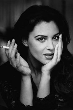 Monica Bellucci smoking black