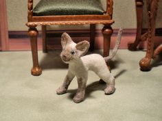 1:12 Dollhouse Miniature hand carved and furred Siamese Cat. #Unbranded