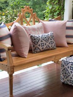 The ever gorgeous @3beaches fabrics really do come into their own in any all-weather position.😍 So not only are these designs simply stunning, but they are perfect for the Australian climate! To find out more, chat to one of our Cushion Experts or visit one of our Showrooms for design advice. ✨ . . #cushionfactory #outdoorcushions #outdoorchaircushions #outdoorfurniturecushions #outdoorliving #outdoorseatcushions #outdoorloungecushions #outdoorbenchcushions #custommadeoutdoorcushions