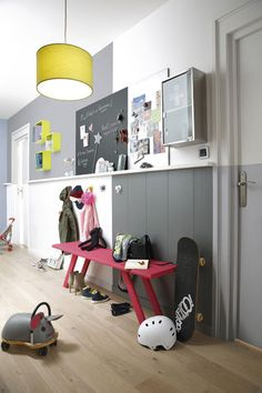 1000 images about couloir on pinterest yellow hallway - Refaire son couloir d entree ...