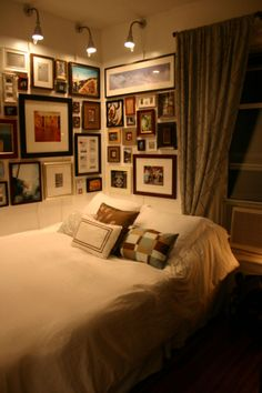NYC Apartment Stylishly Breaks Small Space Rules - I think for my house warming party, I'd like everyone to bring a framed photo - home made frames encouraged (macaroni crafts, anyone? Bedroom Pics, Bedroom Pictures, Bedroom Ideas, Bedroom Decor, Hallway Pictures, Framed Pictures, Small Space Living, Small Spaces, Macaroni Crafts