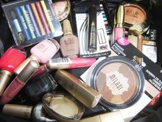 The Glamorous Gleam is having a 1000 giveaway...130.00 worth of Milani products.