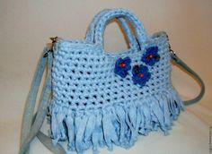Купить Сумочка из трикотажной пряжи и джинсы - однотонный, нежно-голубой, вязаная сумка, голубой