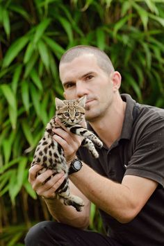 The rusty-spotted cat rivals the black-footed cat as the world's smallest wild cat. Small Wild Cats, Big Cats, Cool Cats, Cats And Kittens, Rusty Spotted Cat, Black Footed Cat, Cats Cast, Sand Cat, Rare Cats