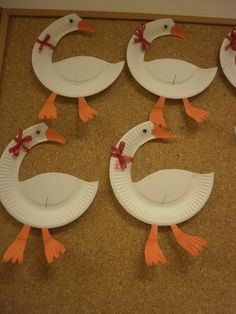 Autumn Crafts, Fall Crafts For Kids, Craft Activities For Kids, Art For Kids, Diy And Crafts, Arts And Crafts, Paper Plate Crafts, Paper Plates, Hl Martin