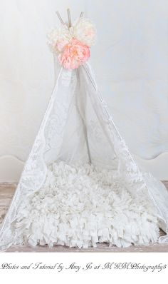This tutorial is a short tutorial on how to make a newborn tent. Now if you would like to make a larger scale tent all you have to do is upgrade your twine or use rope :)