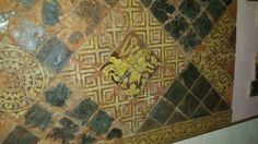 Last week I was in Orgelet in the French Jura. There is a medieval tilefloor mounted on the wall of the church. My son Merlijn made some pictures.