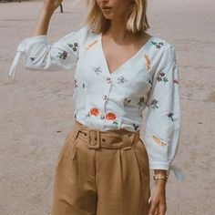 paint pansies on a button up white shirt Mode Style, Style Me, Pretty Outfits, Cute Outfits, Summer Outfits, Casual Outfits, Spring Summer Fashion, Spring Style, Passion For Fashion