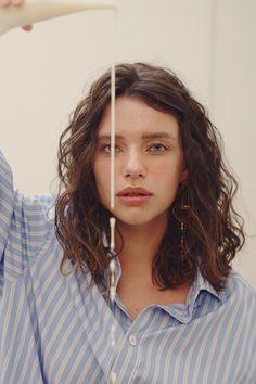Short Wavy Hair, Curly Hair Tips, Curly Hair Care, Curly Hair Styles, Cut Her Hair, Hair Cuts, Shot Hair Styles, Permed Hairstyles, Grunge Hair