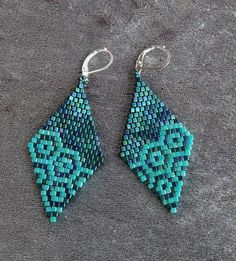 Paper Bead Jewelry, Bead Embroidery Jewelry, Seed Bead Jewelry, Seed Bead Earrings, Beaded Embroidery, Beaded Jewelry, Jewellery, Diy Jewelry Projects, Jewelry Crafts