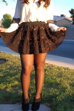 FASHION BLOGGER FEATURE: Claire Sinclair Wear Kix'ies Thigh Highs in Pin Up  (WIN A PAIR) from Camilia's Closet.