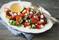Talvinen salaatti Caprese Salad, Cobb Salad, Prawn Salad, Pasta Salad Italian, Pasta Salad Recipes, 20 Min, Quick Meals, Cucumber, Food And Drink