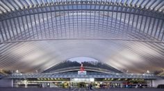 still from 'timelapse, liège-guillemins' master thesis video by yannick wegner of the belgian train station by santiago calatrava