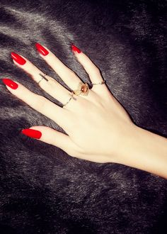 Love red nails and the shape of these are perfect! Nail Art* Colorful Nails* Best Manicure* Cool Fashion*Love it Cute Nails, Pretty Nails, Nail Art Designs, Nails Design, Design Design, Nagel Gel, Pedicures, Spring Nails, Nails Inspiration