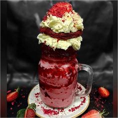 Patissez adds new red velvet cake inspired milkshake to the menu Patissez has once again one-upped the culture with their red velvet inspired freakshake (pictured) Yummy Treats, Delicious Desserts, Sweet Treats, Yummy Food, Dessert Drinks, Yummy Drinks, Dessert Recipes, Drink Recipes, Milk Shakes