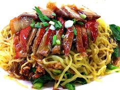 This menu is Egg Noodles with Roasted duck and Crispy Pork. :-P - 7件のもぐもぐ - Noodles by Thaweesin Promduang