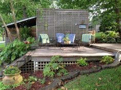 Great tiered deck from Chit Chat Designs-Furnishings . . .