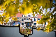 Steinhaus | Besonders viel Platz für Erholung und Entspannung. Bad, Mansions, House Styles, Home Decor, Hundertwasser, Recovery, Mansion Houses, Room Decor, Villas