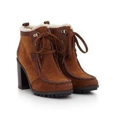 Love these boots but they don't look wearable for snow and ice.