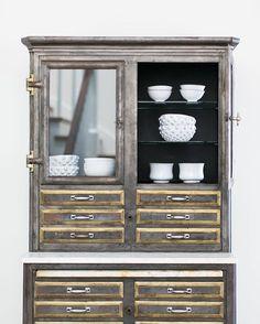   crisp white ceramics   #astierdevillatte #kellynuttdesign #customhome #antiquepharmacycabinet from @503found 📷: @ryangarvin