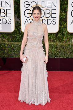 2016 Golden Globes Red Carpet - Amanda Peet in an Alexander McQueen dress, Cartier jewelry, and Jimmy Choo bag