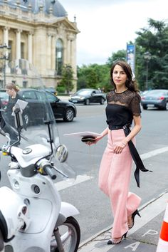 Love the pants!!   Couture Culture: The Best Street Style from Paris Fall 2016 Haute Couture Fashion Week - July 2016 #pfw
