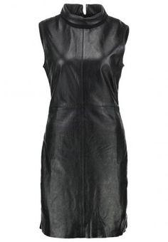 Zalando SE - Ibana SALLY Shift dress black - https://clickmylook.com/product/ibana-sally-shift-dress-black/4256193