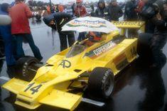 Debaixo de chuva, Emerson foi segundo em corrida extra-campeonato em Silverstone (Foto: Getty Images) Emerson, Formula 1, Indy Cars, Cars And Motorcycles, Grand Prix, Race Cars, History, Vehicles, Classic