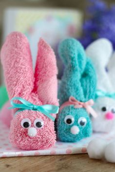 How to make Wash Cloth Bunnies - great for Easter! They are also called boo boo bunnies and you can put ice cubes in them to help soothe boo boos!