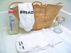 Take this kit with you when you go grocery shopping. Buying food in bulk  without all the packaging is not only healthier, but it's also cheaper!  Zero Waste Home: Zero Waste Grocery Shopping.