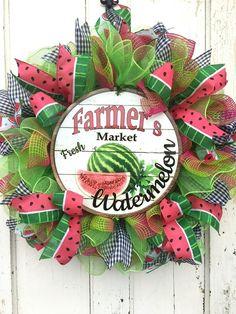 Items similar to Summer Watermelon Wreath on Deco Mesh on Etsy – Spring Wreath İdeas. Wreath Crafts, Diy Wreath, Wreath Ideas, Wreath Making, Grapevine Wreath, Burlap Wreath, Diy Crafts, Make Your Own Wreath, How To Make Wreaths