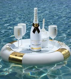 Floating Champagne Bars - This Moët & Chandon Floating Bar is Shaped like a Tube with Gold Accents (GALLERY) Moet Chandon, Champagne Moet, Champagne Quotes, Moet Imperial, Malbec, Alcoholic Drinks, Cocktails, Beverages, In Vino Veritas