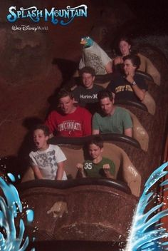 You know your in Disney World when Perry the Platypus is in your splash mountain pic Funny Disney Pictures, Disney World Pictures, Funny Images, Funny Photos, Hilarious Pictures, Silly Images, Funniest Pictures, Splash Mountain, Roller Coaster Pictures